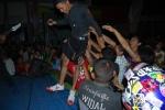 09-Crowded-2