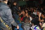 09-Crowded-4