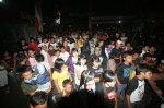 09-Crowded-6